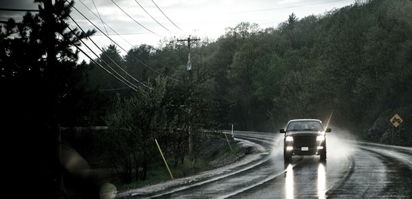 High Beams? Low Beams? How To Switch Your Headlights To Suit Different  Driving Conditions