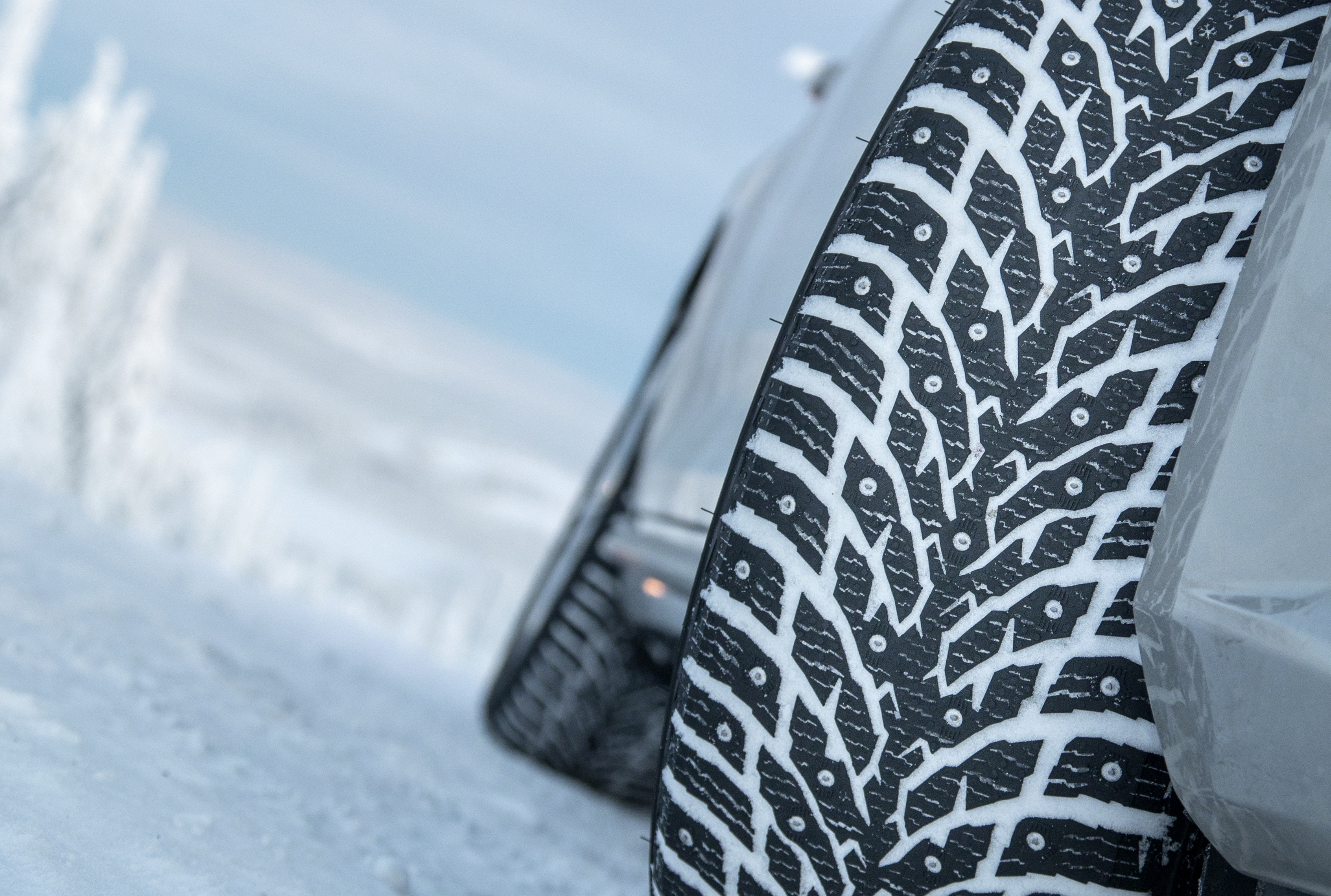 Mercedes-Benz E-Class: All-weather tires and winter tires